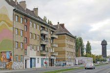 Häuserzeile an der Lichtenberger Hauptstraße