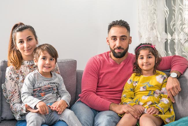 Sabrina Syawsh und Toma Philip mit ihren Kindern