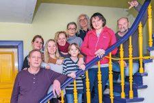 Atelierhaus-Mieter auf der Treppe