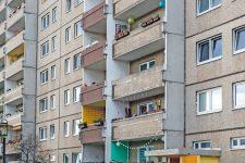 Fassade mit Balkonen im Kosmosviertel