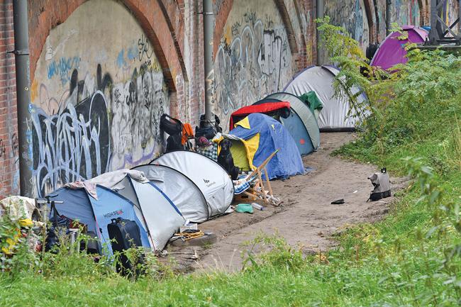 Zelte eines Obdachlosenlagers