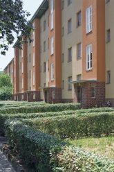Mietshäuser mit Vorgarten