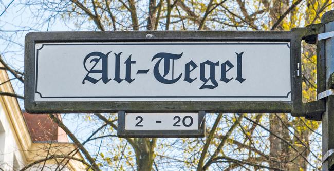 Straßenschild ,Alt-Tegel'