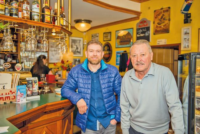 Kneipiers Switala und Wieloch in der ,Brasserie Alt-Tegel'