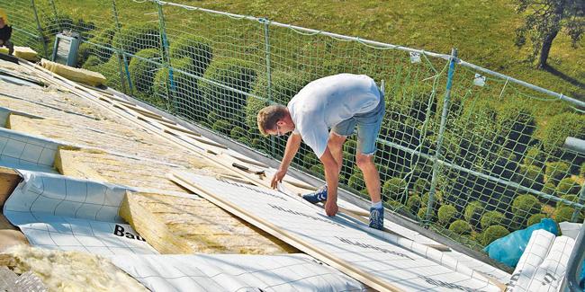 Anbringung einer Dachdämmung