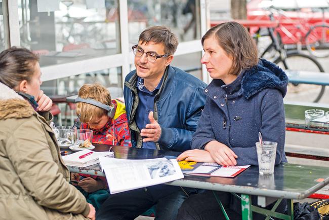 Lisa Vollmer und Björn-Arne Eisermann beim Interview