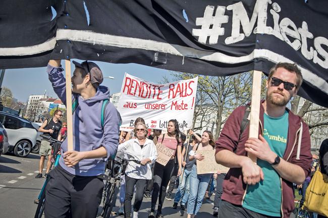 Demonstranten auf der Mieter-Demo
