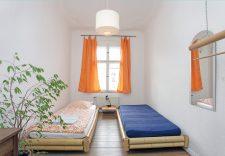 Schlafzimmer in einer Ferienwohnung