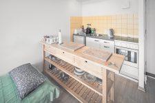 Küchenzeile, Küchenarbeitstisch, Schlafcouch