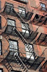 Feuertreppen an New Yorker Wohngebäude