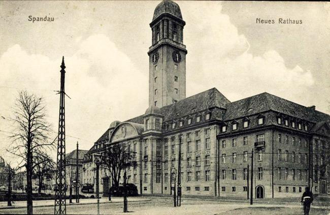 Historische Karte mit dem Rathaus Spandau