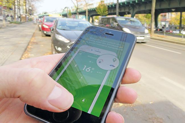 Smartphone mit Heizungs-App
