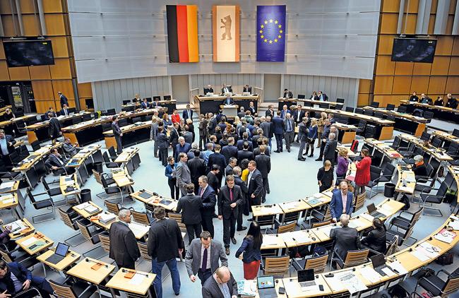 Abstimmung des Berliner Abgeordnetenhauses im Januar 2020 für den Mietendeckel
