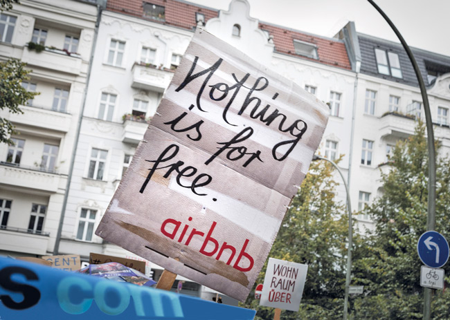 Plakat ,Nothing is for free. airbnb'