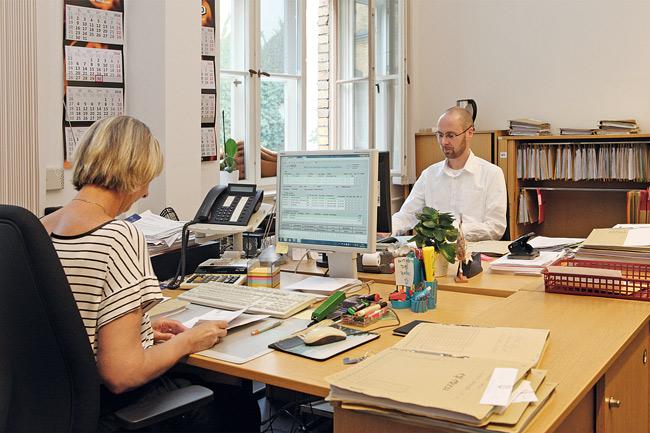 Mitarbeiter im Wohnungsamt Pankow
