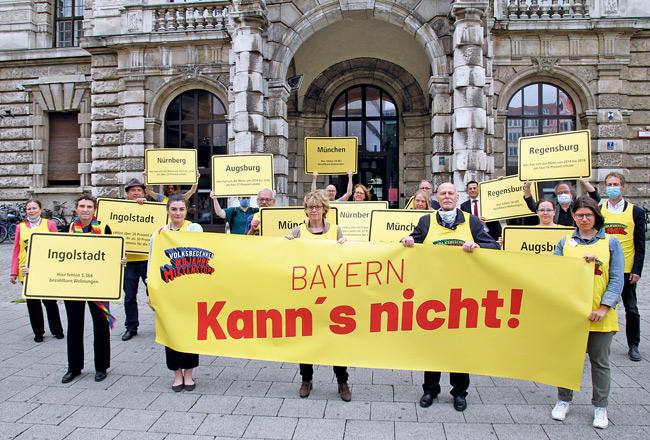 Protest in Bayern vor dem Verfassungsgerichtshof