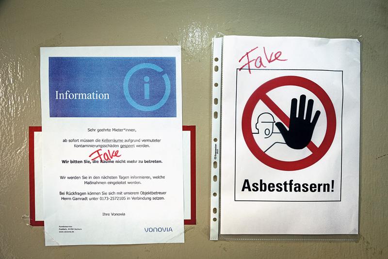 Warnschild Asbestfasern!