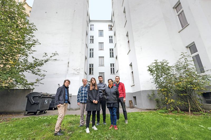 Hausbewohner im Hof der Torstraße 3