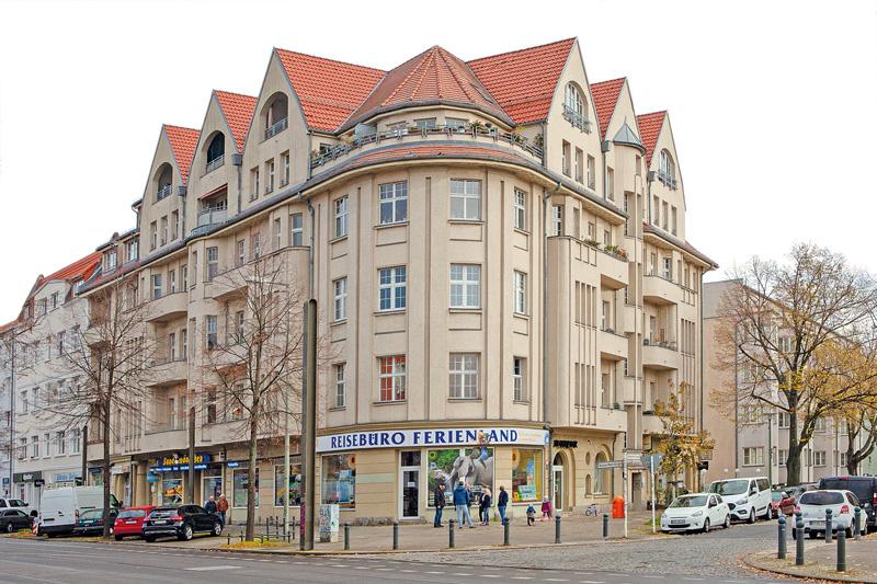 Eckhaus Schöneicher Straße 18