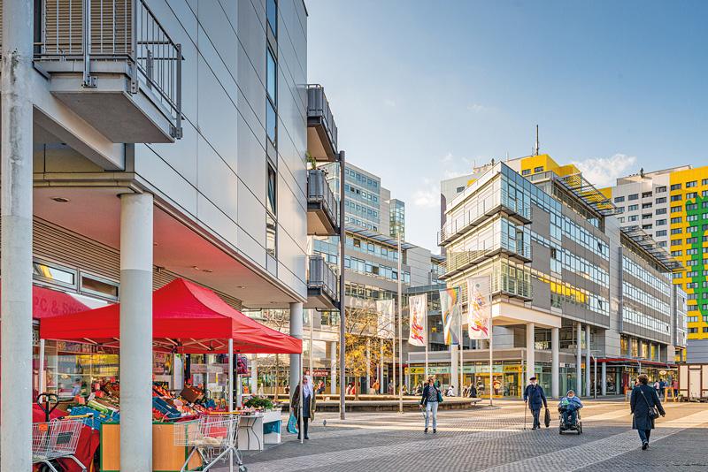 Einkaufsstraße mit Einzelhandel