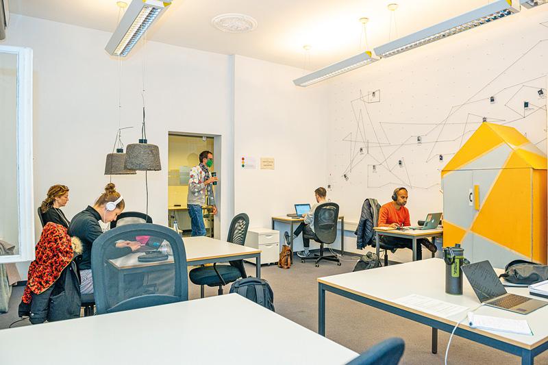 Coworking Space: juggleHUB