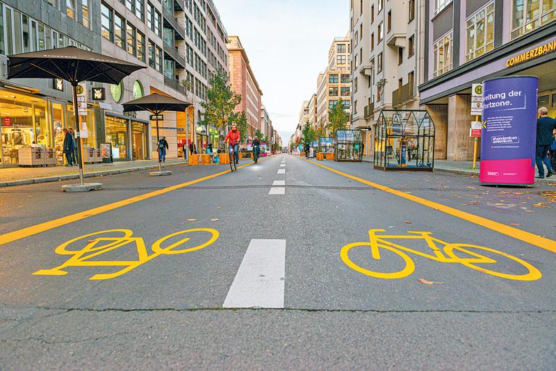 Fahrradzone in der Friedrichstraße