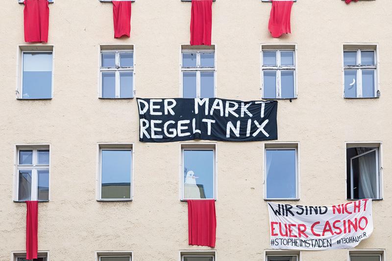 Protestbanner an Heimstaden-Haus