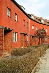 Fassade und Vorgarten in der Hufeisensiedlung