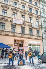 Protestveranstaltung der Mieter in der Seelingstraße 29