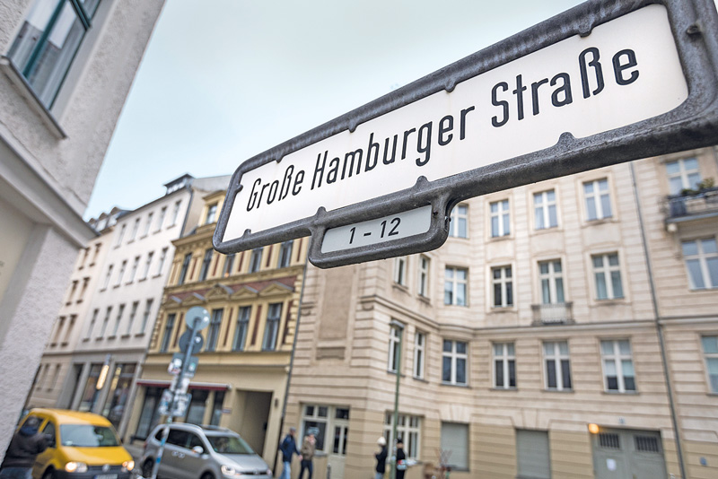 Straßenschild ,Große Hamburger Straße'
