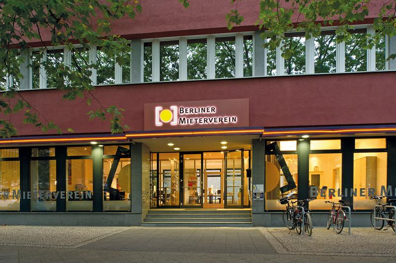 Eingang zur Geschäftsstelle des BMV