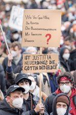 Demonstration gegen die Mietendeckel-Entscheidung