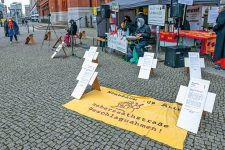 Mahnwache in der Habersaathstraße